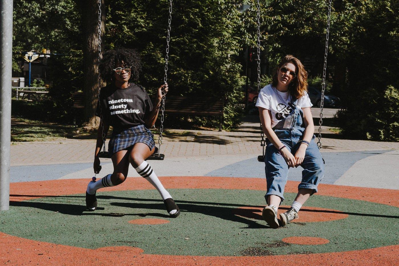 90s – Swings
